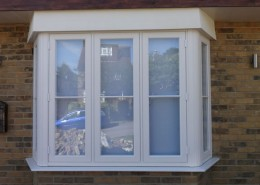 R9 bay window